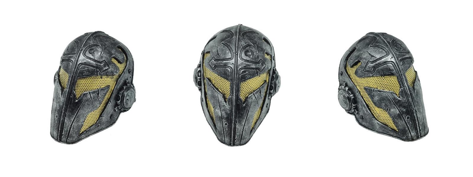 Стоит маска для дайвинга