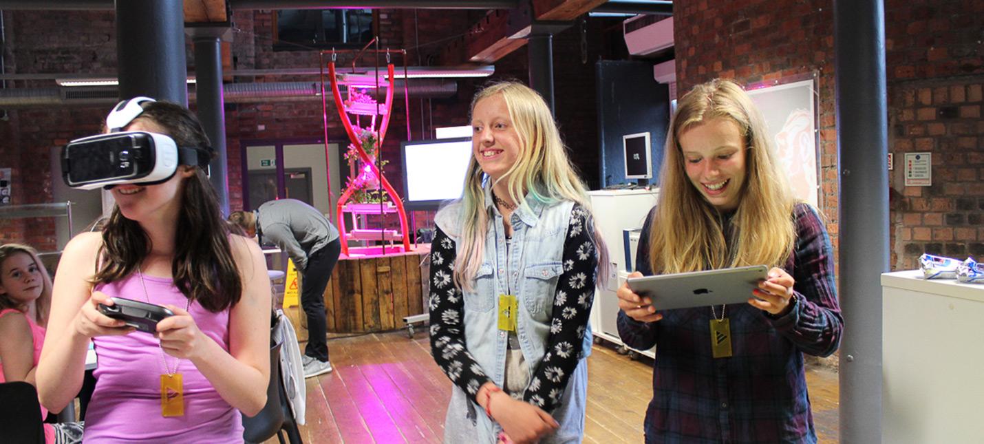 Sony поможет открыть учебный лагерь для девочек, которые хотят разрабатывать игры