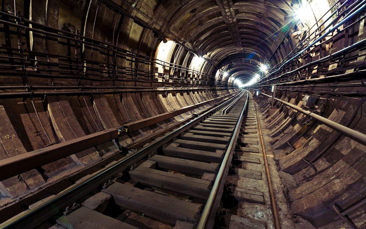 стальные двери метро сокольники