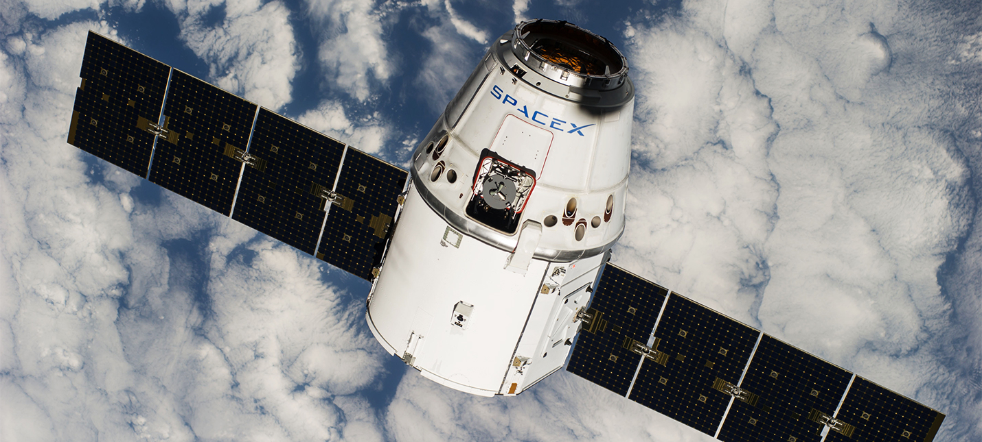 Повторно использованная капсула SpaceX успешно вернулась на Землю