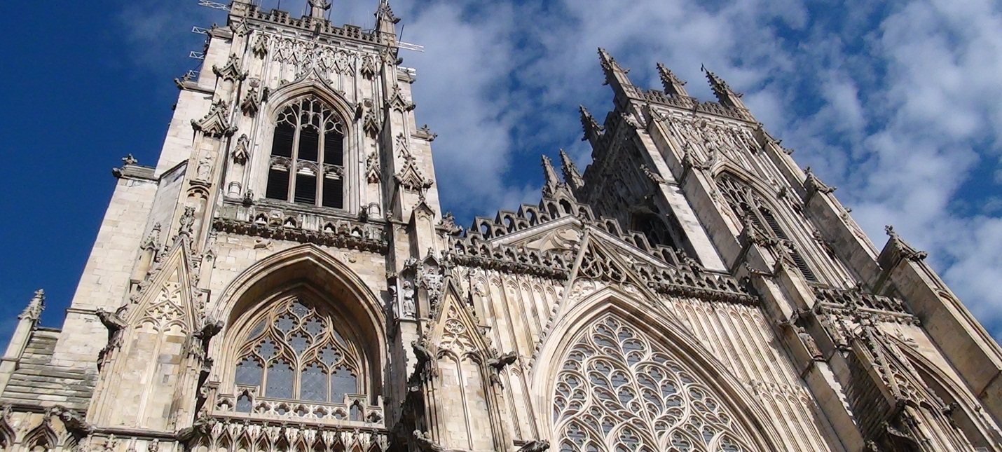 Правительство Британии улучшит интернет при помощи церквей