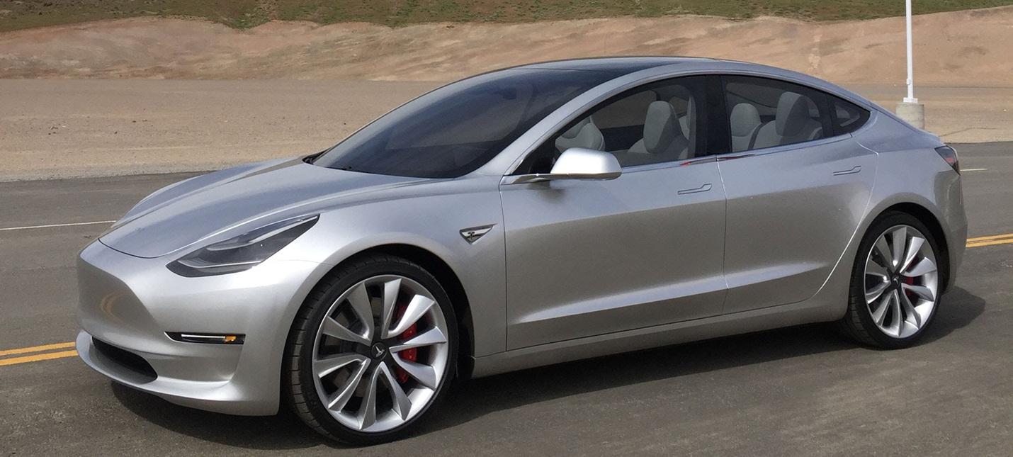 Tesla не выполнила план по производству электромобиля Model 3