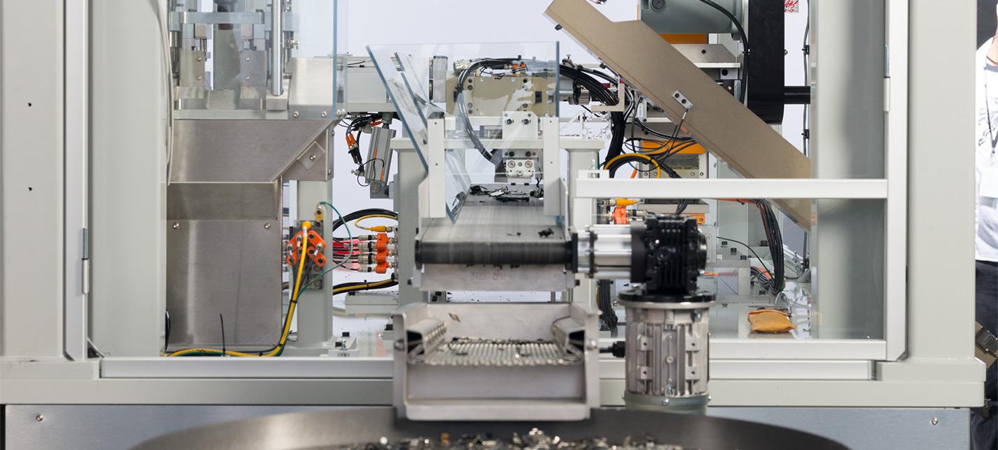 Apple показала робота по переработке iPhone