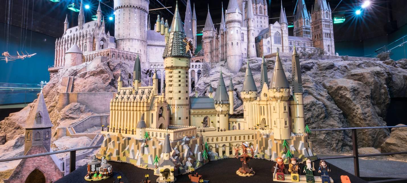 LEGO представила замок Хогвартс из 6000 элементов