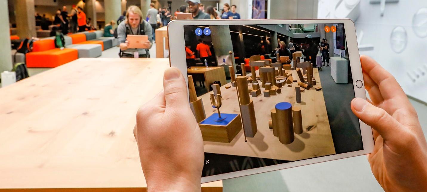 Apple назначила Фрэнка Казанову главой маркетинга AR-проектов