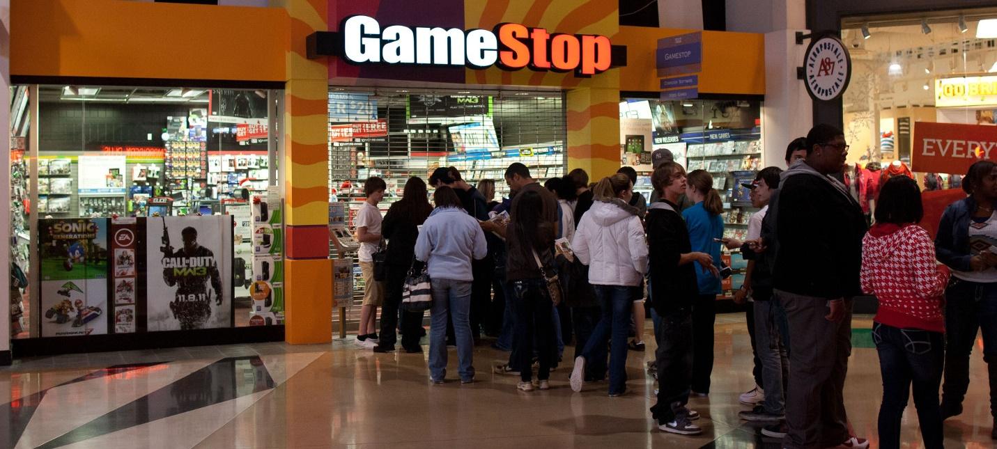 Sony перестанет поставлять коды для цифровой загрузки игр в розничные магазины