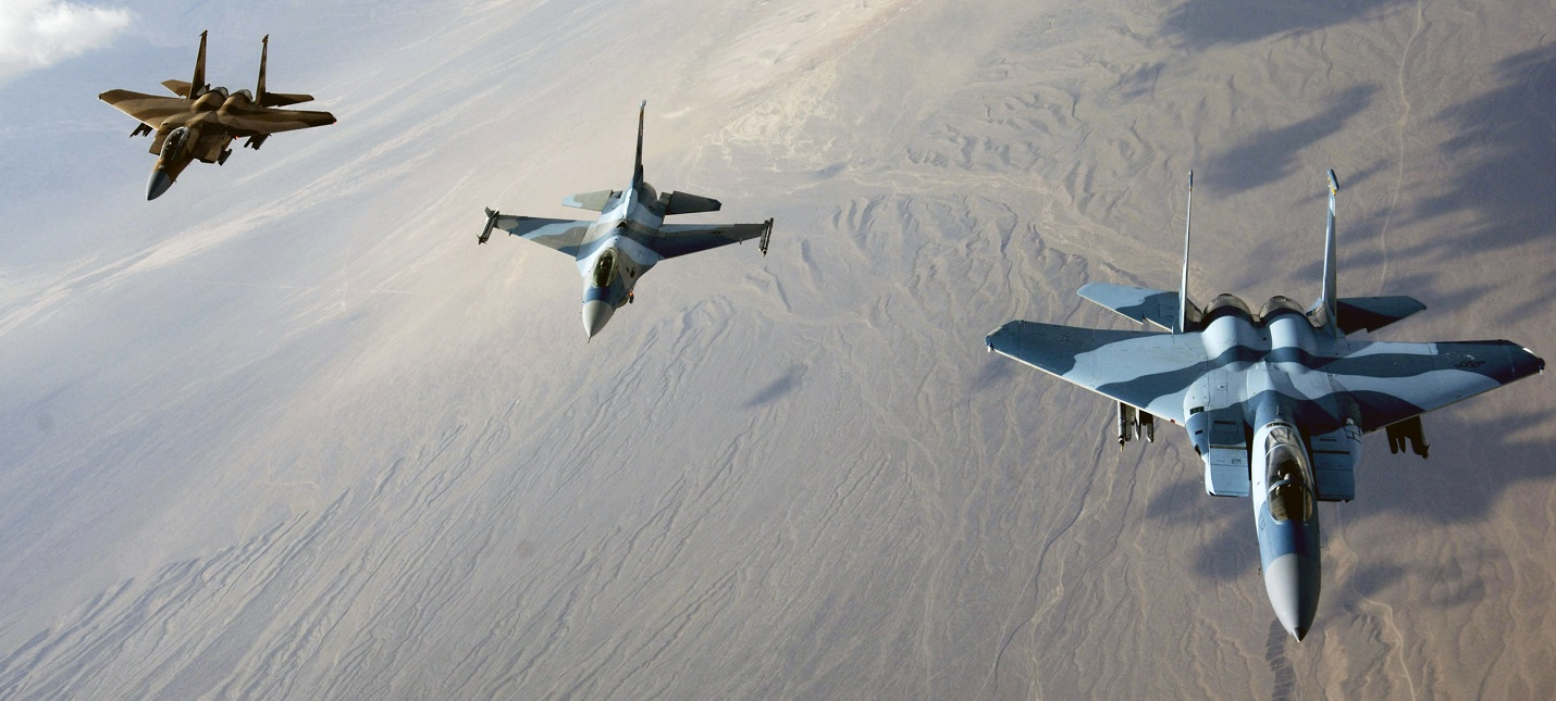Россиянина задержали в США за покупку руководства к истребителям F-16 и F-22