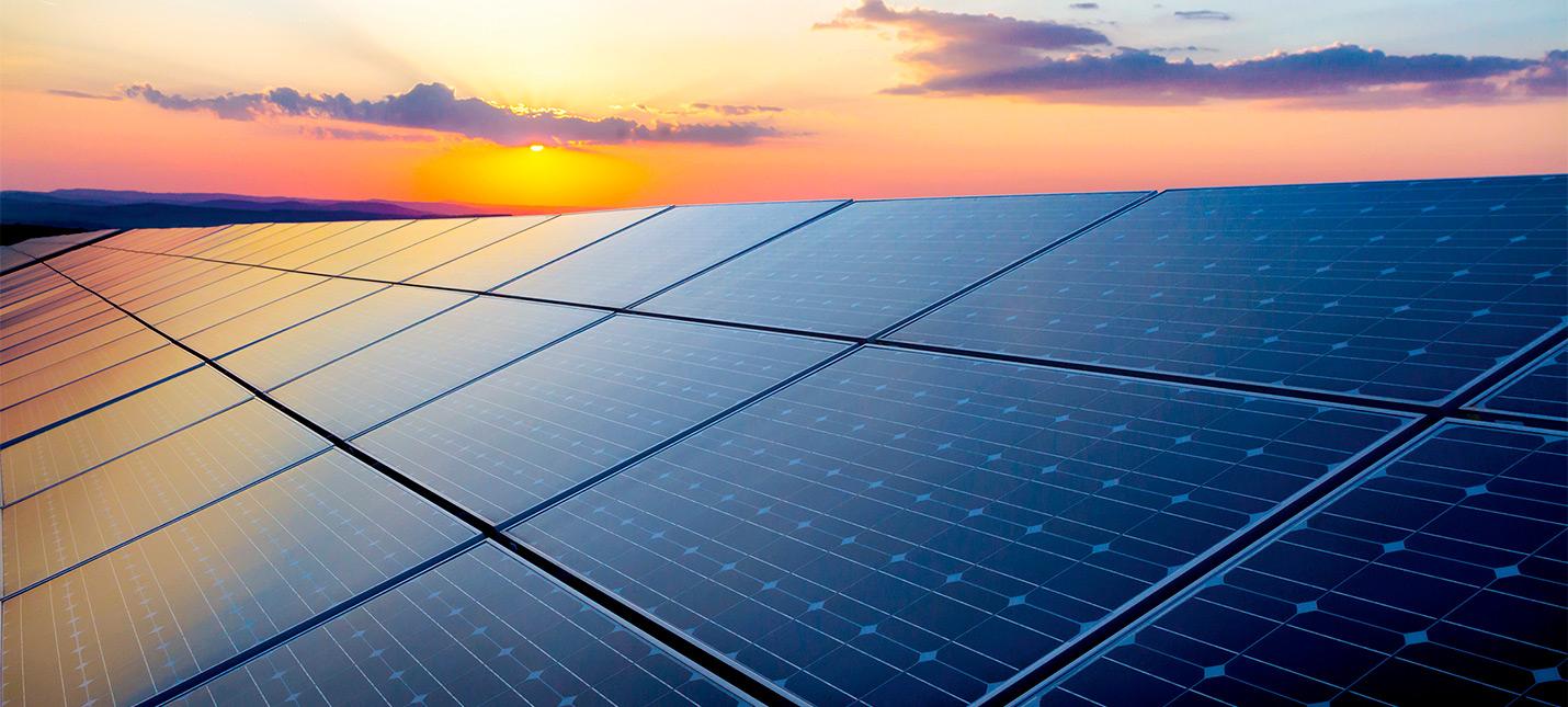 В ОАЭ построили рекордное количество солнечных панелей в одном месте
