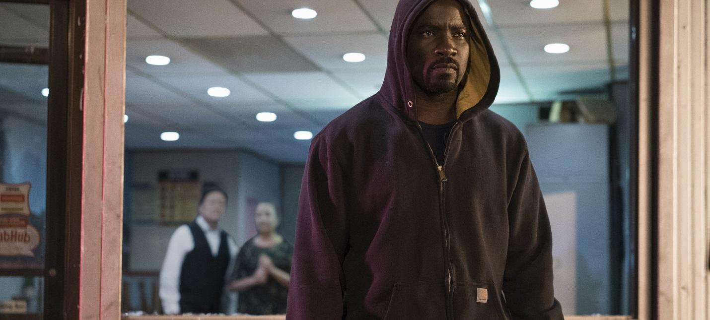 Marvel продает толстовку Люка Кейджа и другой реквизит из сериалов Netflix