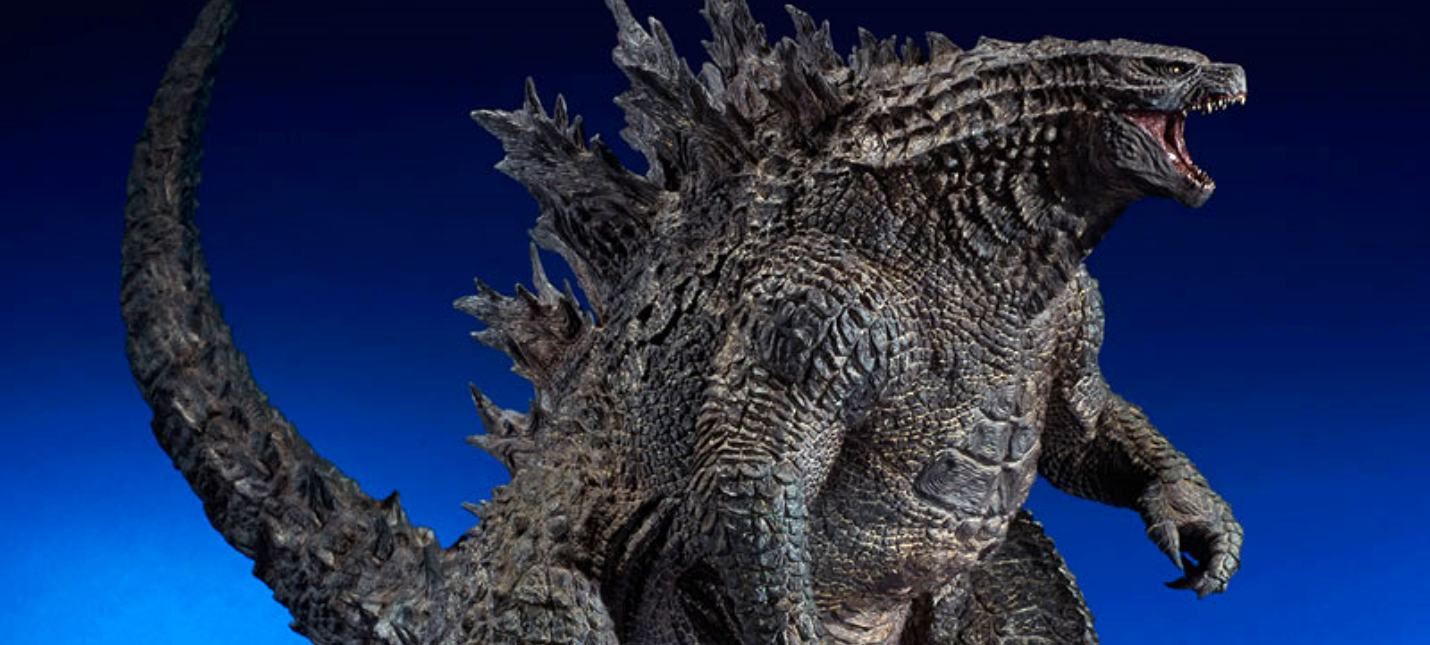 Эта фигурка Годзиллы почти полметра в высоту и стоит 38 тысяч рублей