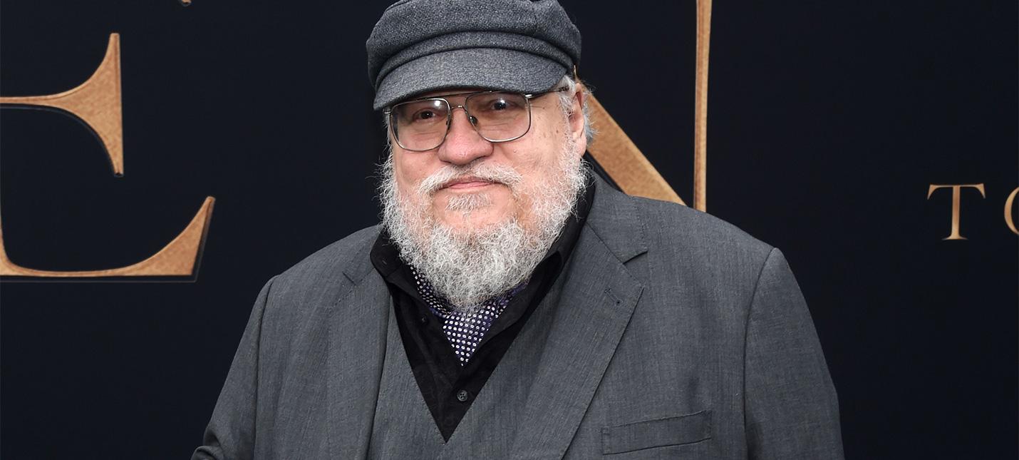 """Джордж Мартин критикует Толкина — во """"Властелине колец"""" недостаточно политики"""