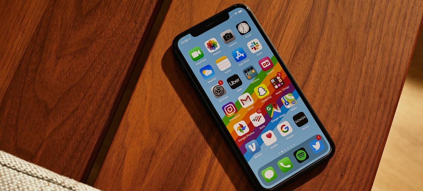 Владельцы iPhone 11:  Царапины на дисплее из ниоткуда, что за дела Apple?