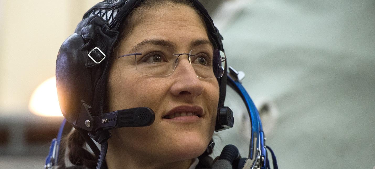 Теперь точно — сегодня состоится первый выход в открытый космос двух женщин