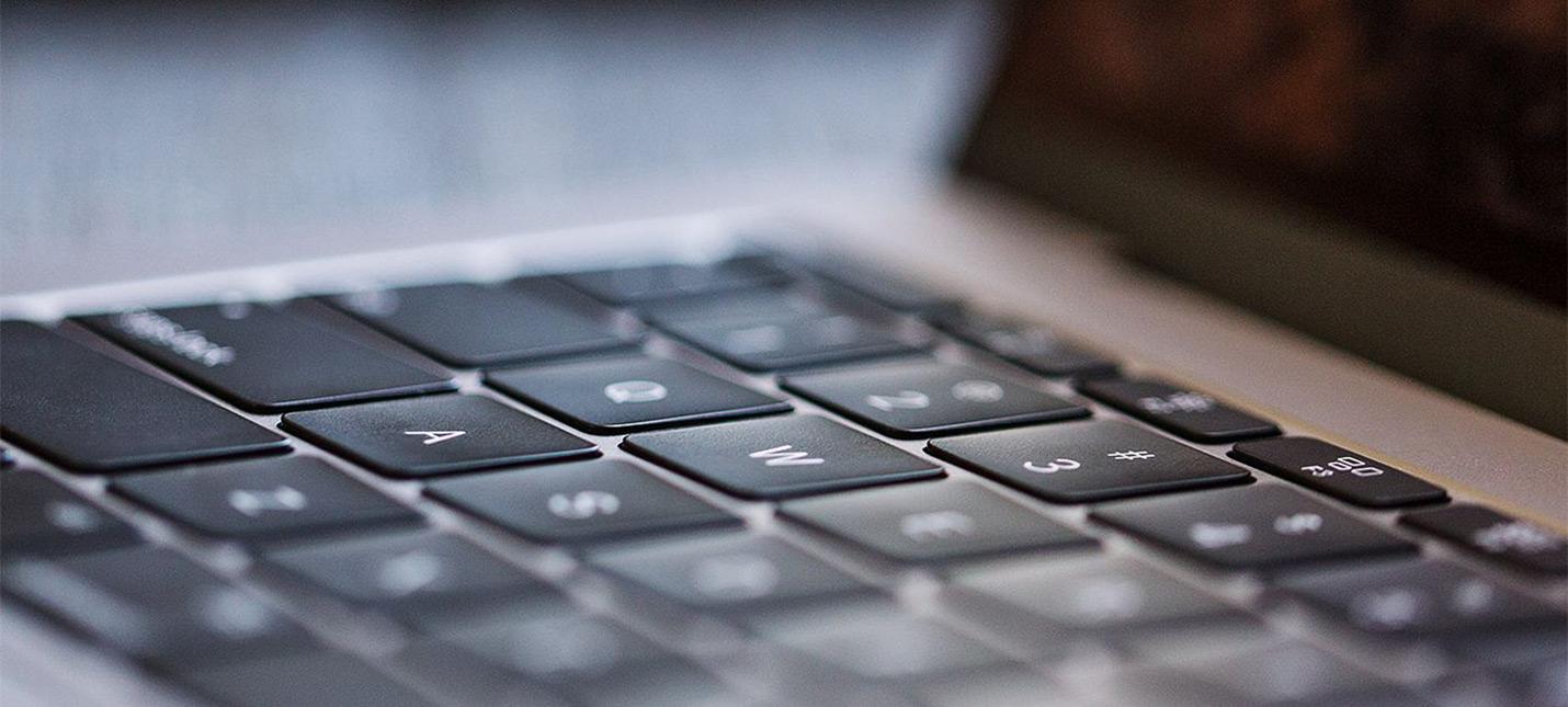 Apple столкнется с коллективным иском по поводу неисправных клавиатур MacBook