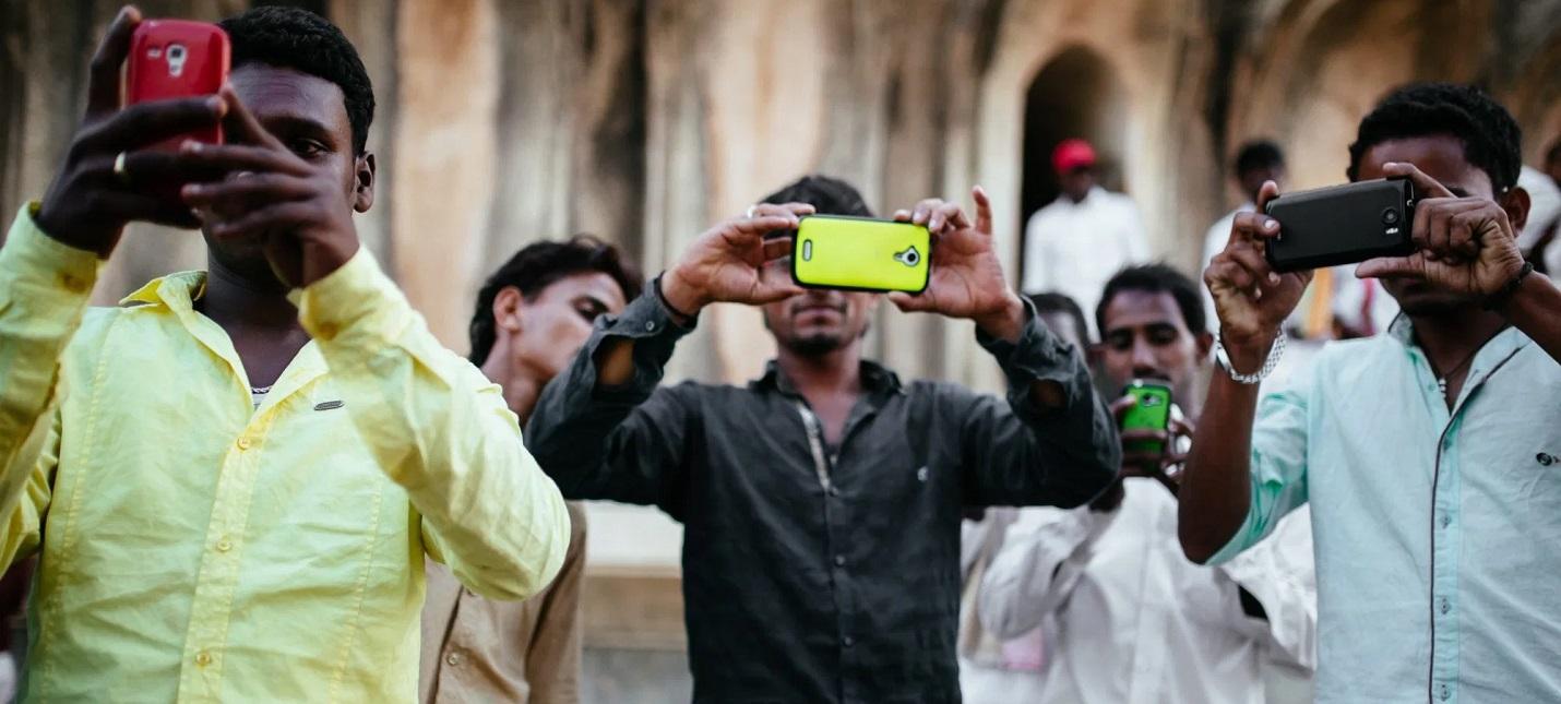 Индия обогнала США по продажам смартфонов