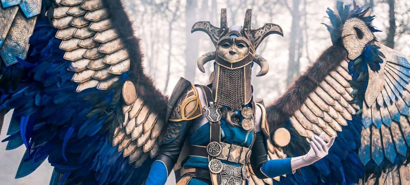 Этот костюм валькирии из God of War весит 10 килограмм