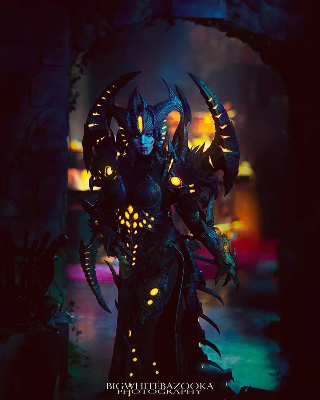 Потрясающий косплей Лилит из Diablo 4