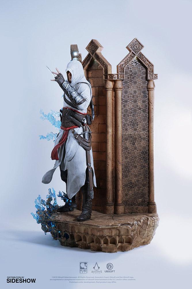 Полуметровая фигурка Альтаира из Анимуса с подсветкой за $688