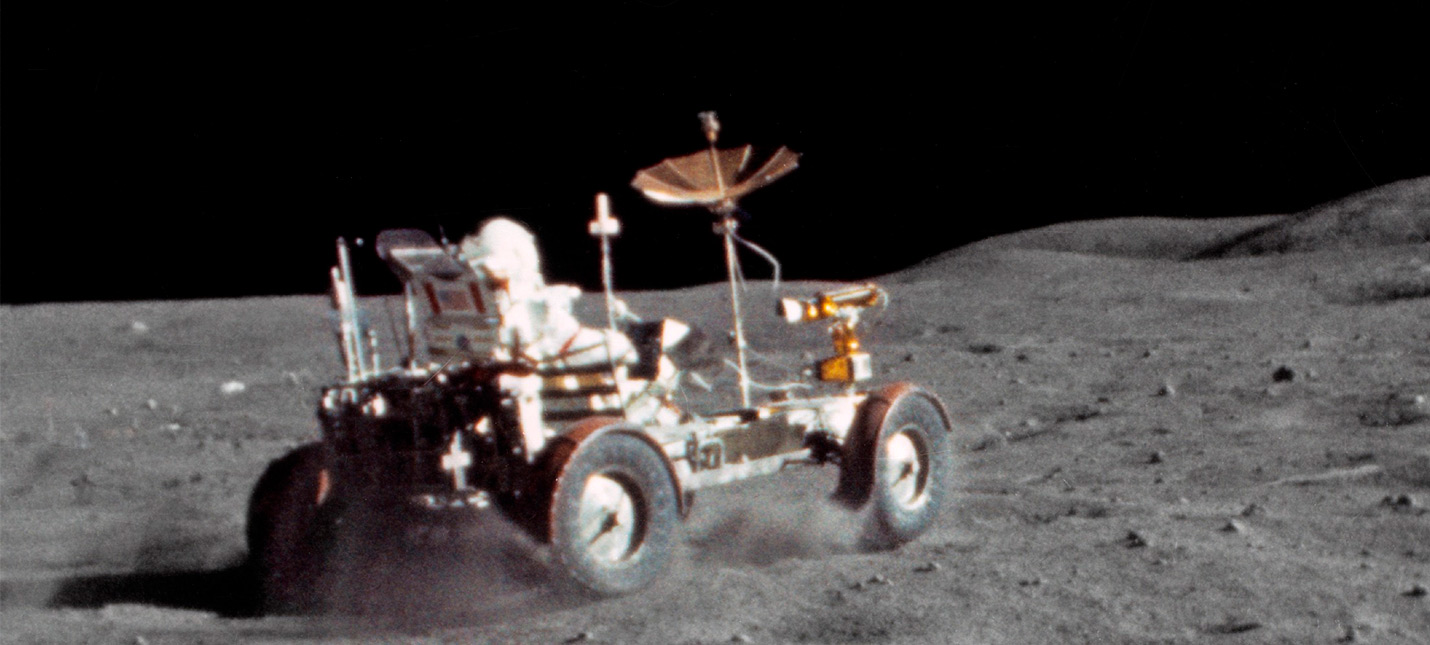 Нейросеть улучшила видео лунной поездки с 12 fps до 60 fps и 4K