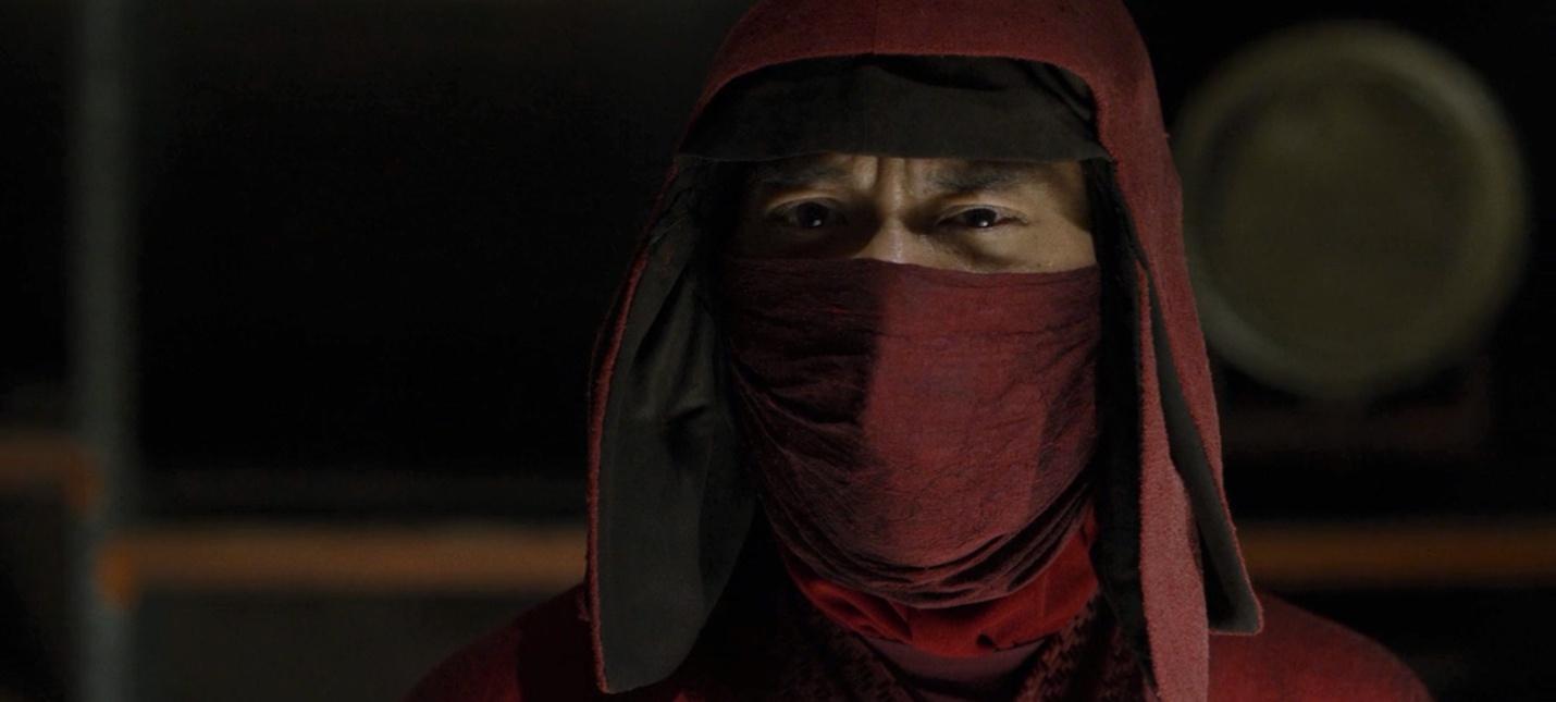Никому нет дела до азиатов  актер из Сорвиголовы обвинил бывшего главу Marvel TV в расизме