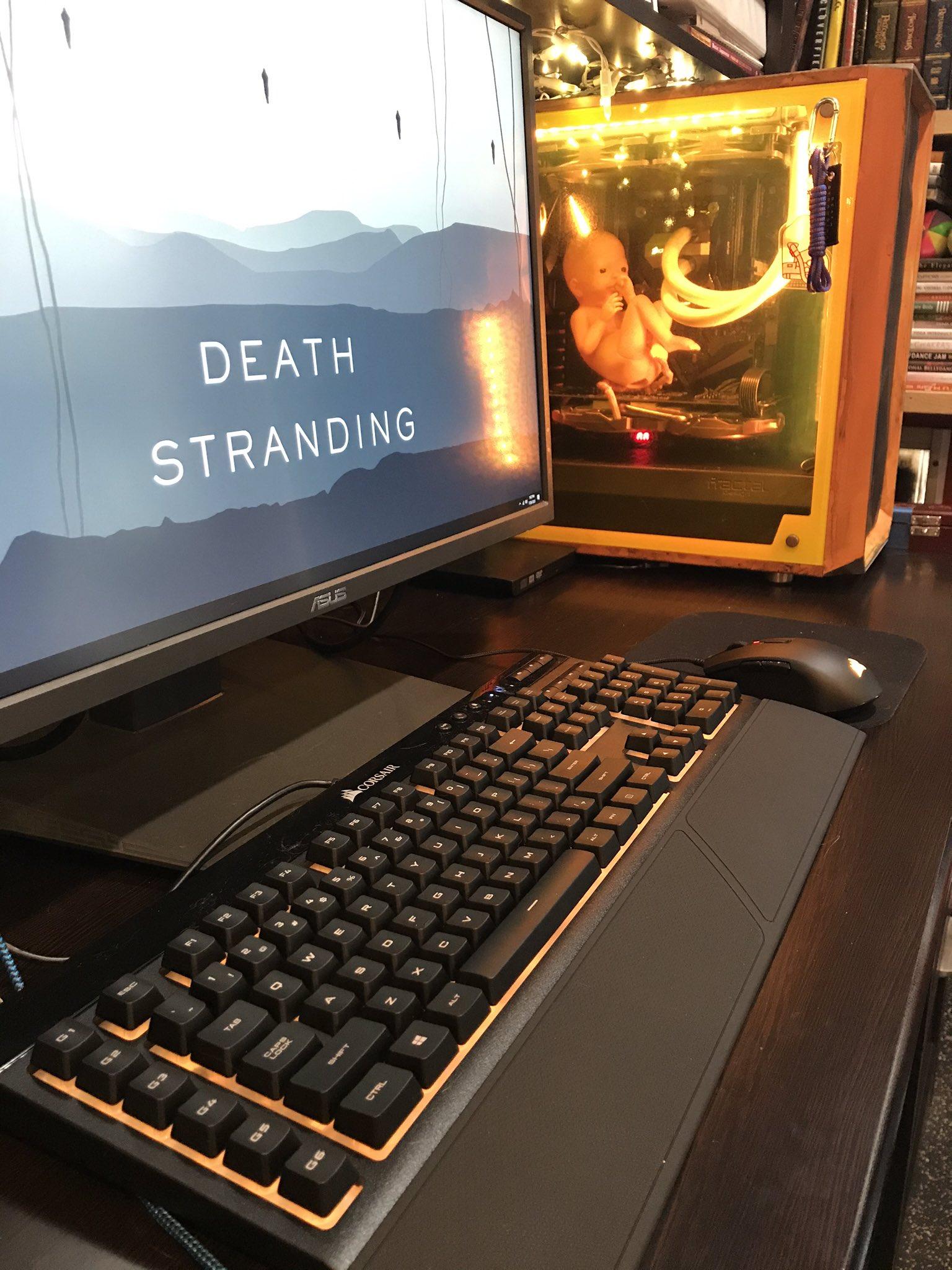 Энтузиаст сделал PC в стиле Death Stranding с милым BB корпусе