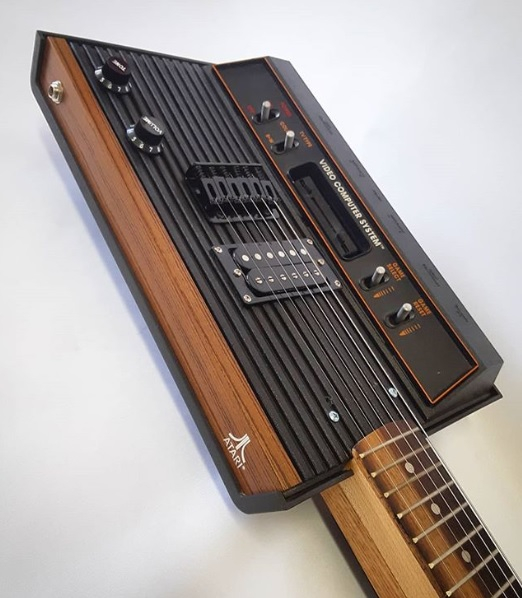 Энтузиаст создает гитары из старых консолей