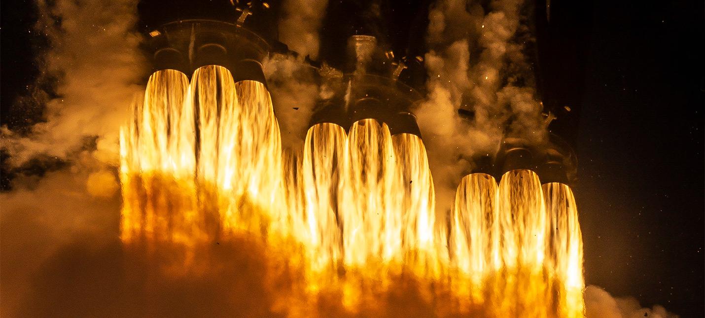 SpaceX и ULA выиграли контракты от правительства США на сотни миллионов долларов