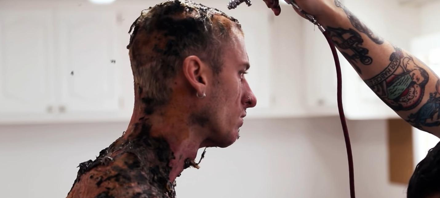 Machine Gun Kelly в видеодневнике со съемок Project Power от Netflix