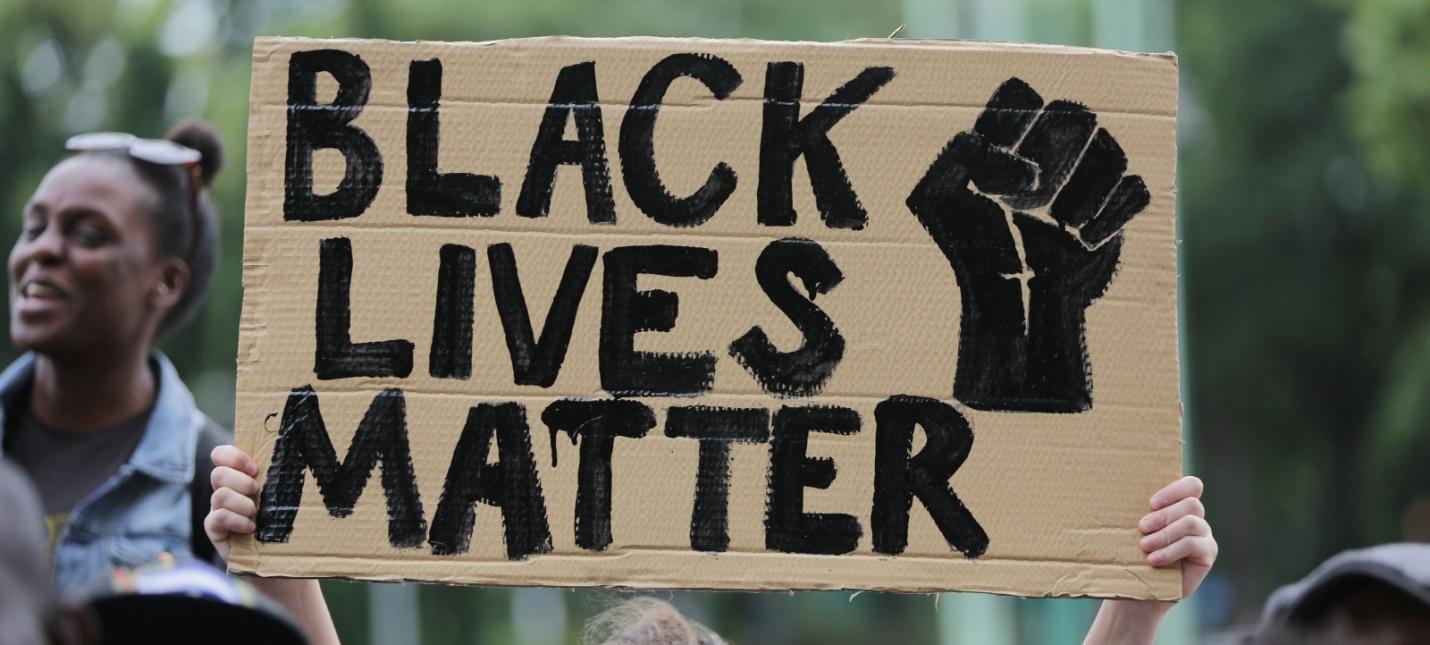 Ubisoft удалит логотип в Tom Clancys Elite Squad из-за схожести с символом Black Lives Matter