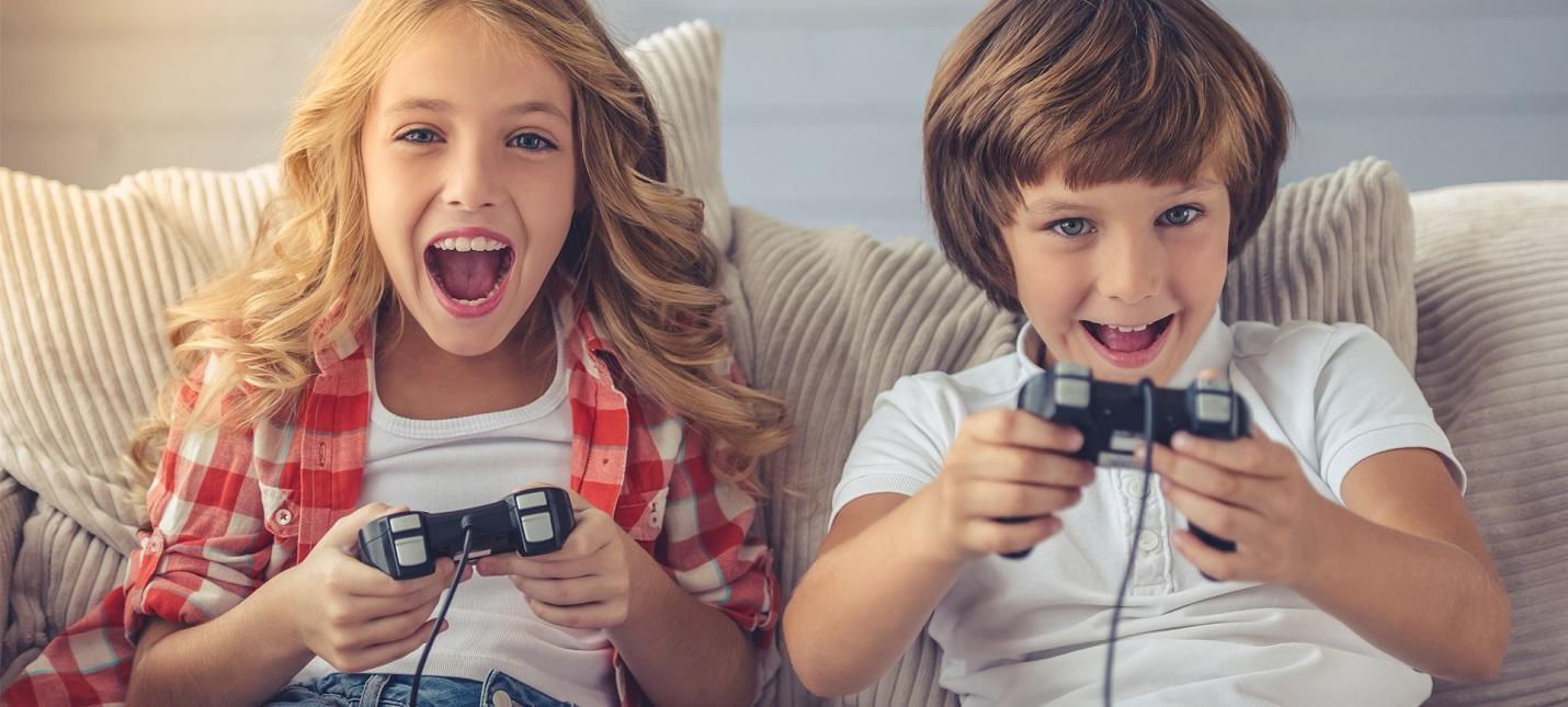 Опрос: Игры помогают детям быть общительными и внимательными