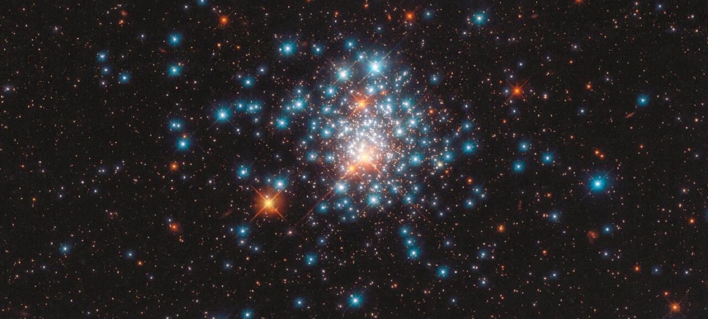 Телескоп Хаббл запечатлел массовое скопление звезд