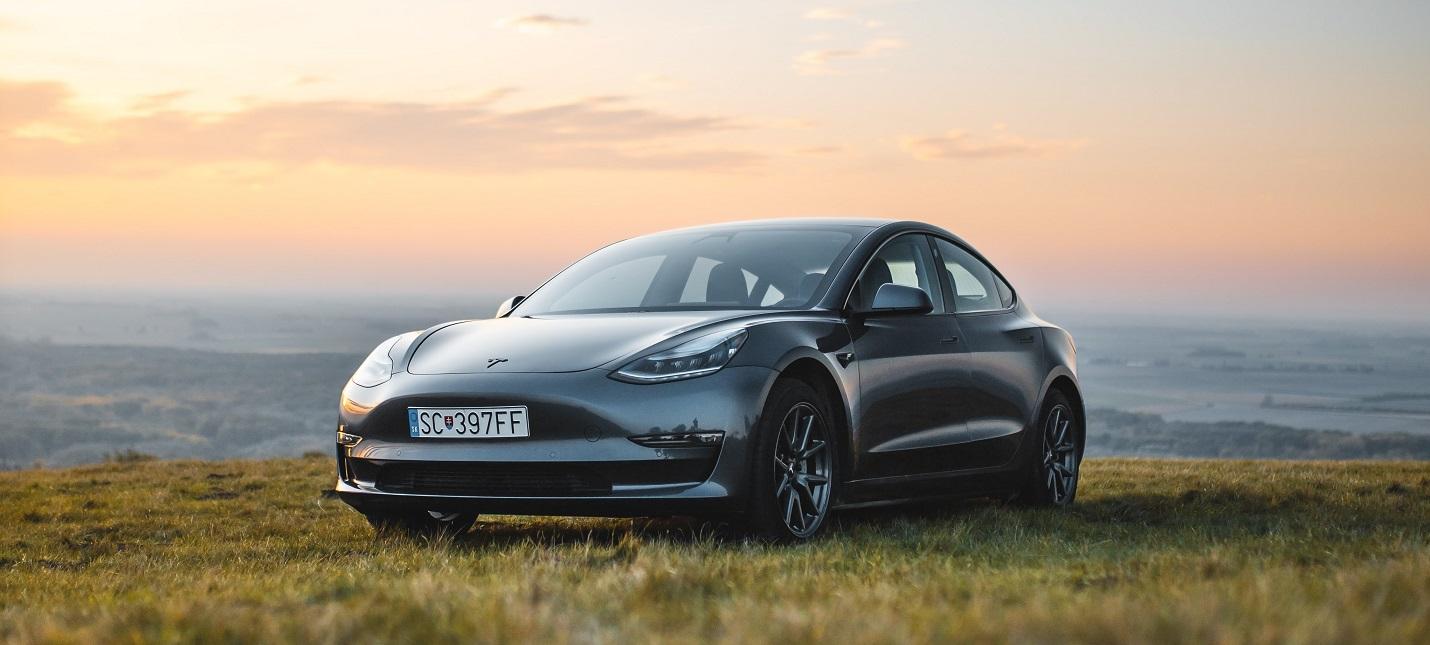 Tesla станет выпускать свои аккумуляторы для авто — дешевле и мощнее
