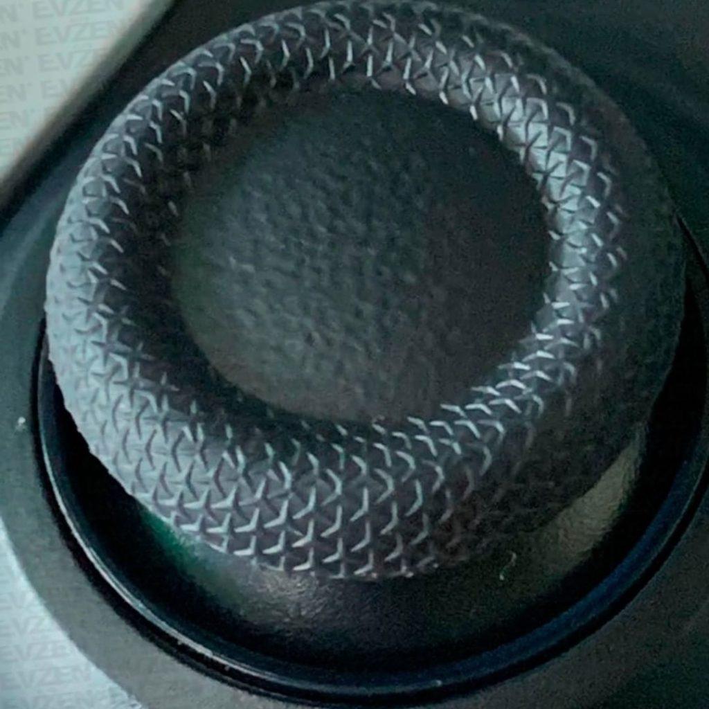 Слух: На поверхности DualSense напечатаны символы PlayStation
