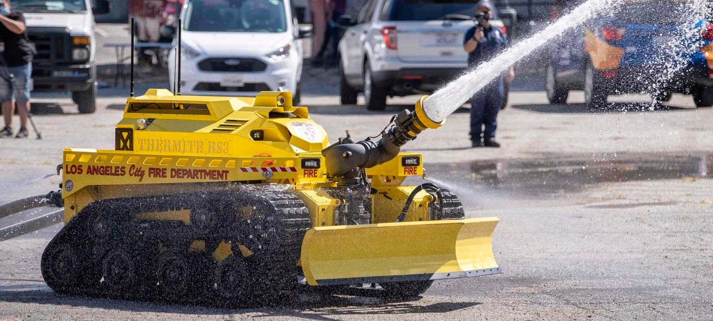 В Лос-Анджелес заступил на службу первый робот-пожарный