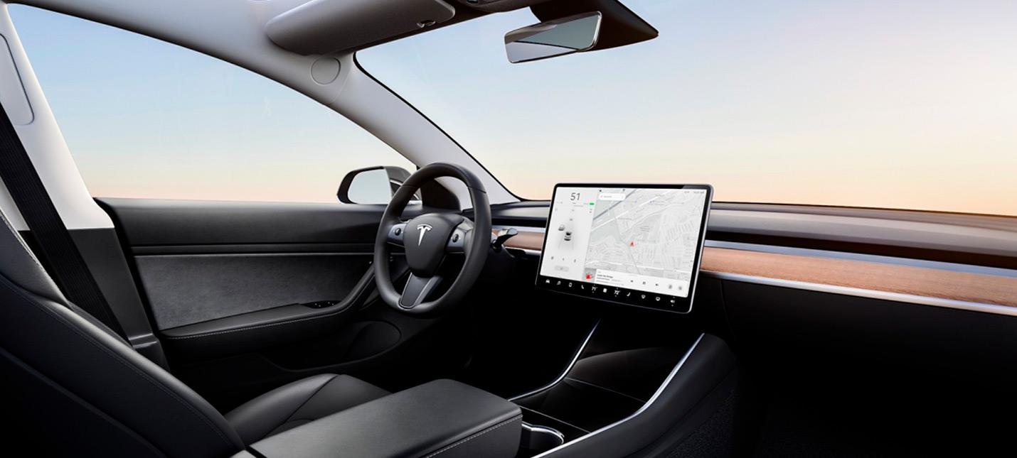 Tesla начала бета-тест полного автопилота в некоторых своих машинах