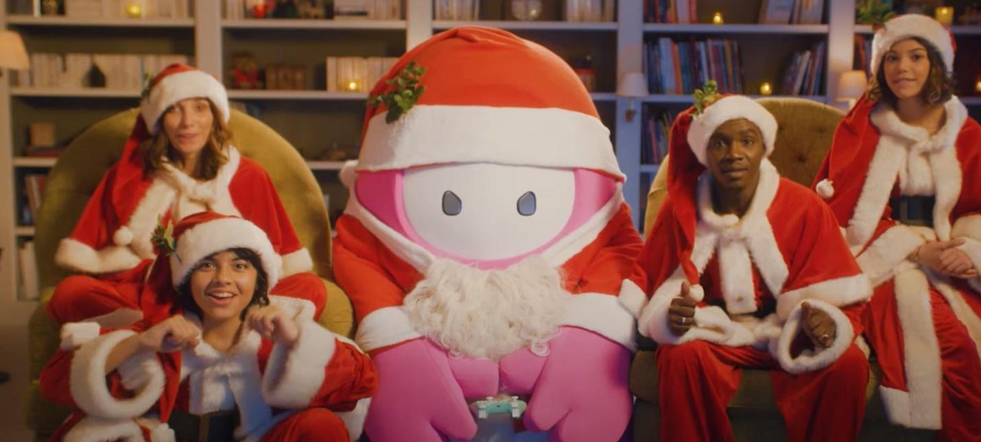 Разработчики Fall Guys выпустили милый лайв-экшен ролик к Новому году