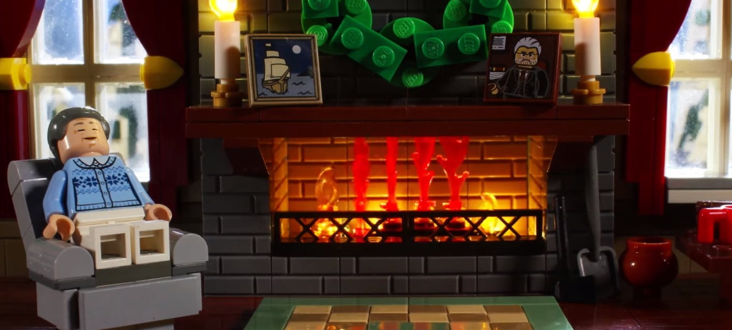 LEGO представила часовое видео с рождественским камином
