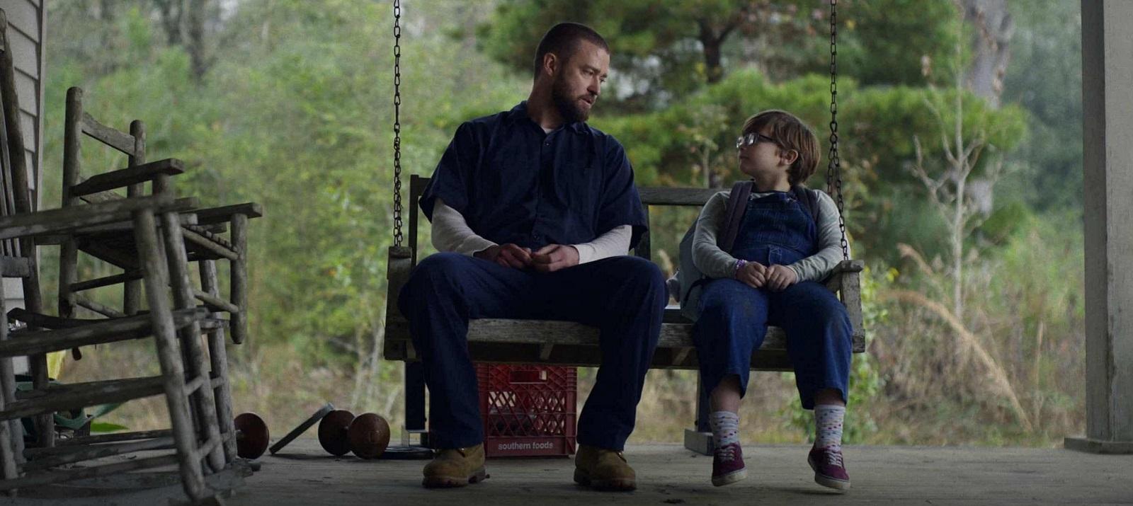 """Каждому нужен друг: Рецензия на фильм """"Палмер"""" от Apple TV+"""