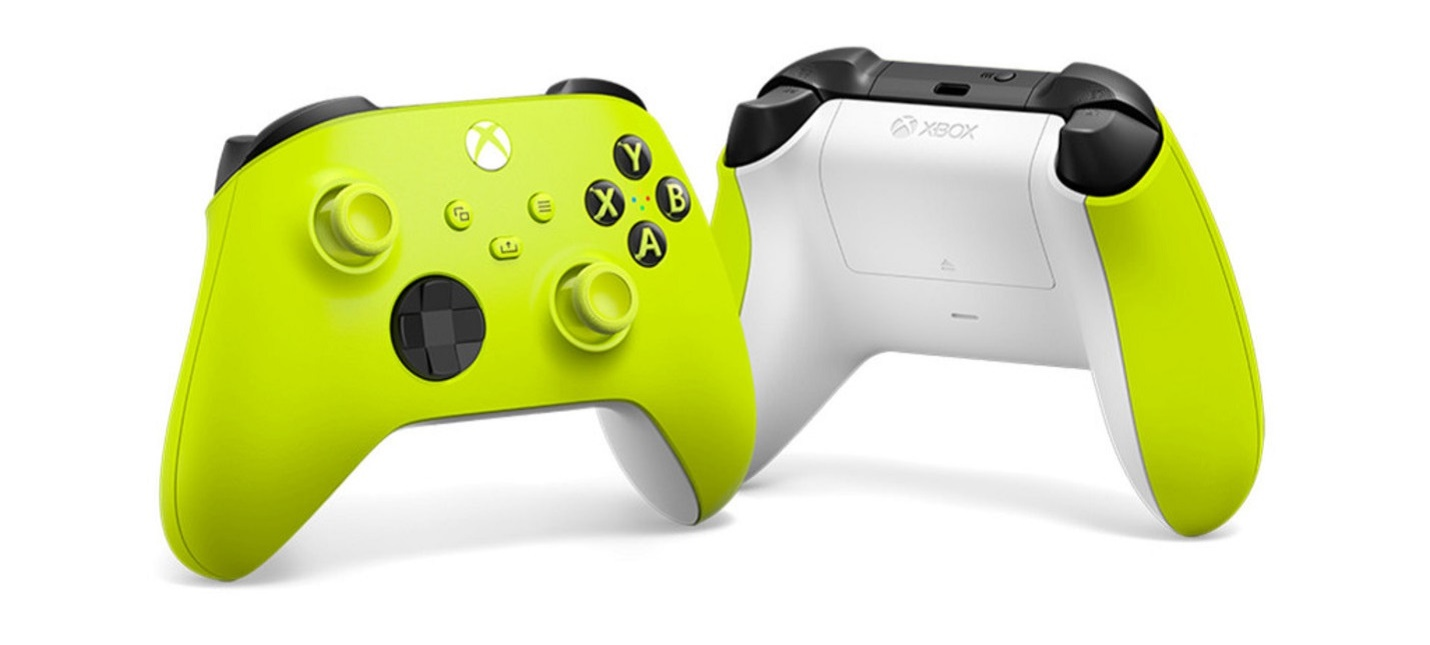 Microsoft представила два геймпада Xbox в расцветках Electric Volt и Daystrike Camo
