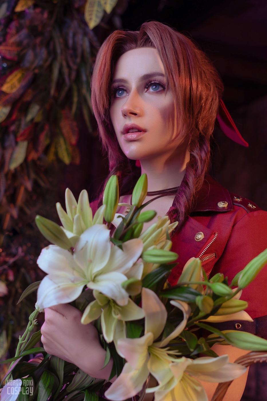 Пятничный косплей: Final Fantasy VII, League of Legends и Cyberpunk 2077