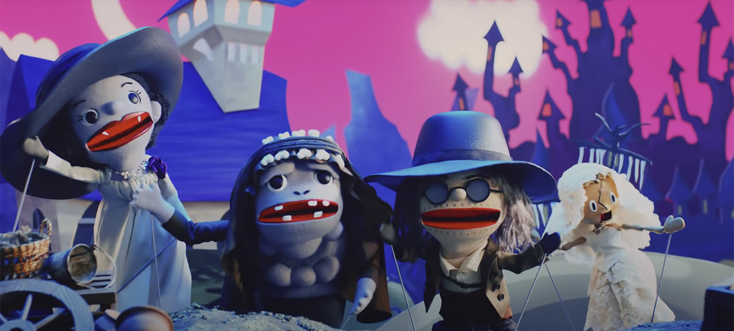 В японском кукольном шоу Resident Evil Village Леди Димитреску поет про кровь