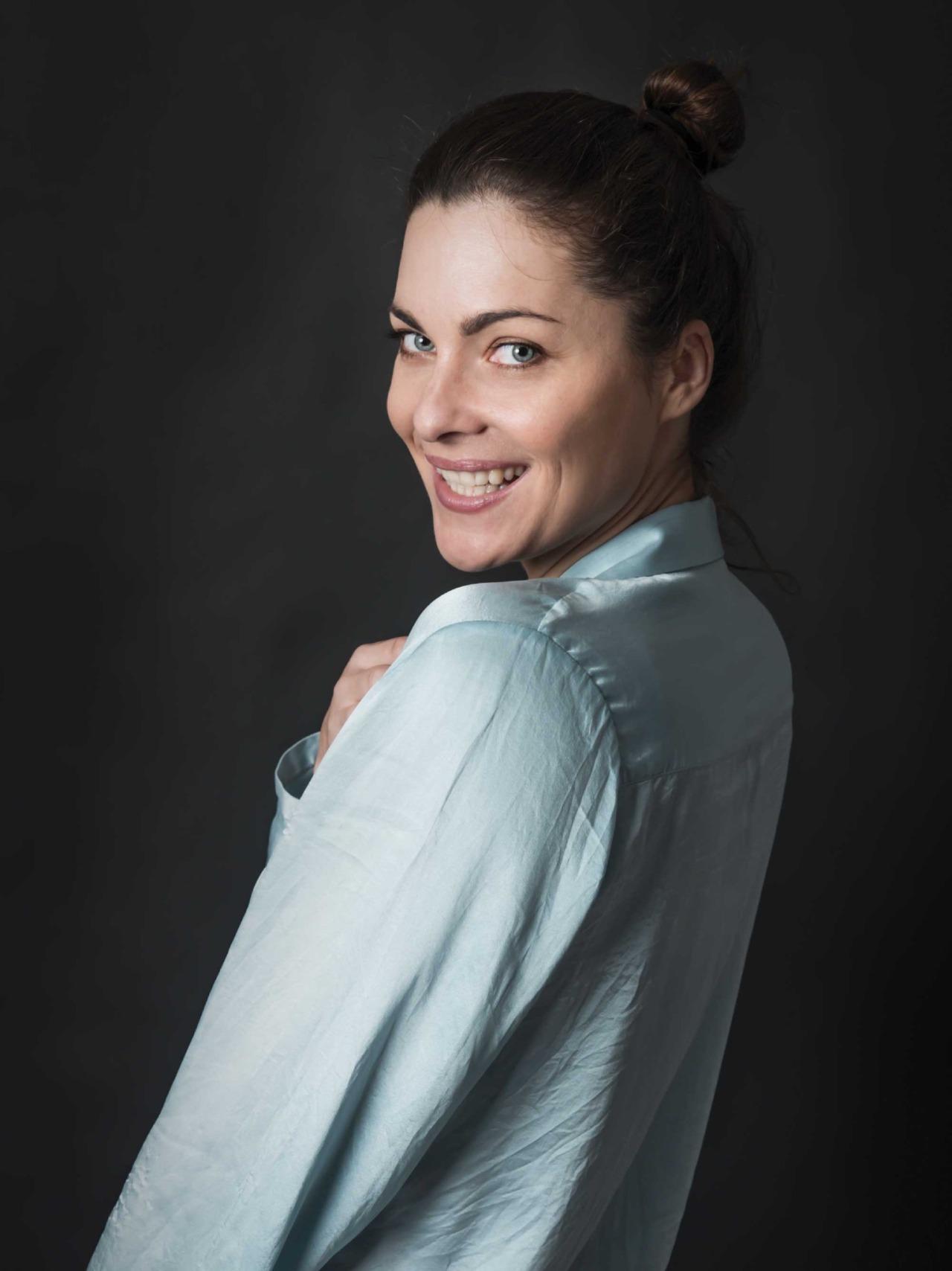 Внешность Леди Димитреску могла подарить модель Хелена Манковска