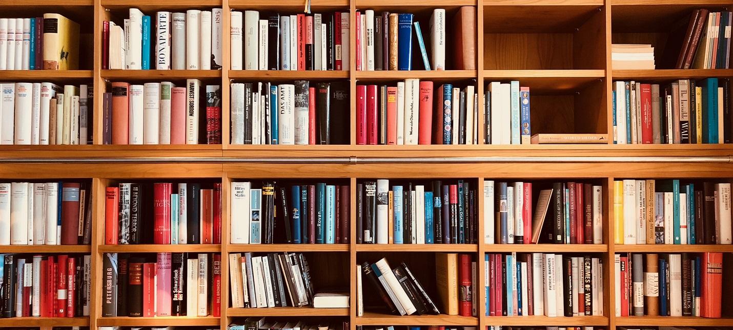 Исследование Печатные книги обгоняют по продажам электронные