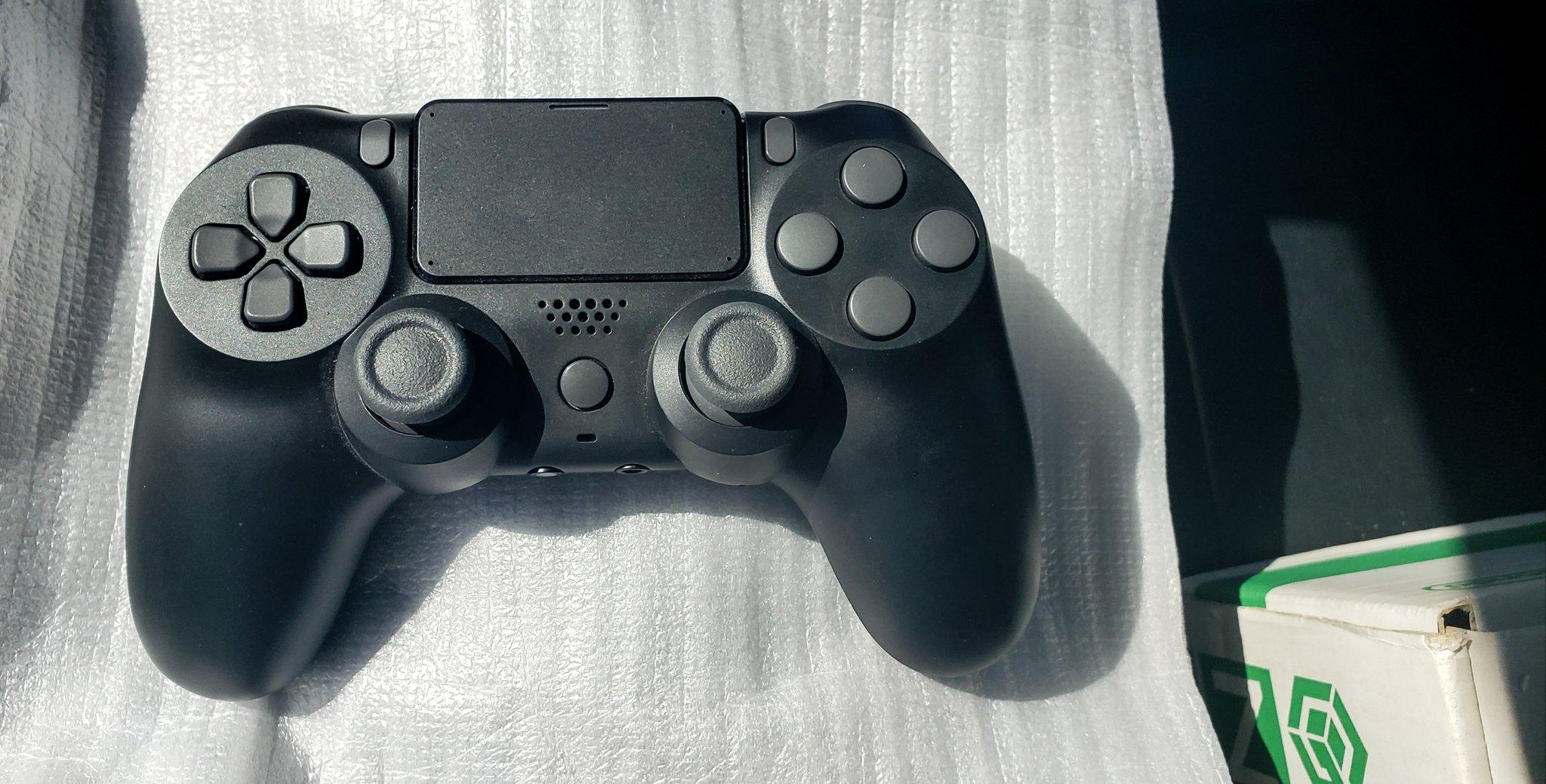 Подробный взгляд на раннюю версию прототипа DualSense