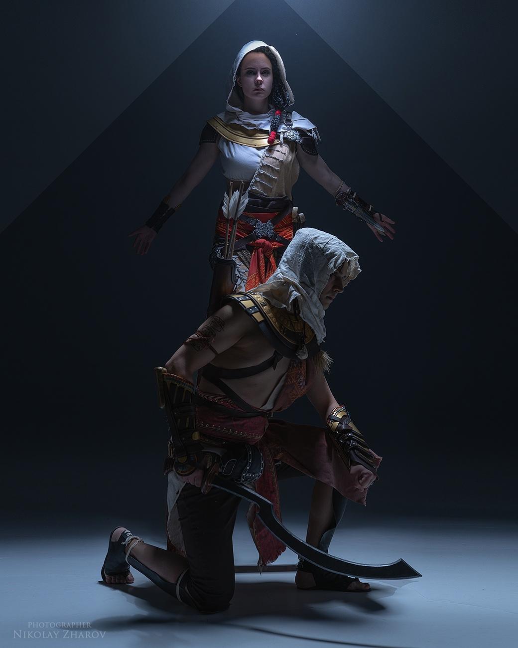 Пятничный косплей: Metro 2033, Assassin's Creed Origins и Dead by Daylight