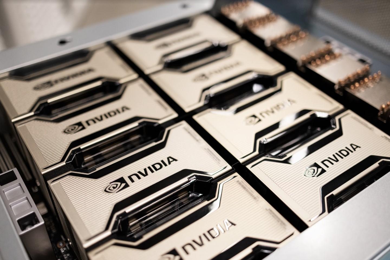 """Новый суперкомпьютер Nvidia напоминает """"Одиссею 2001 года"""""""