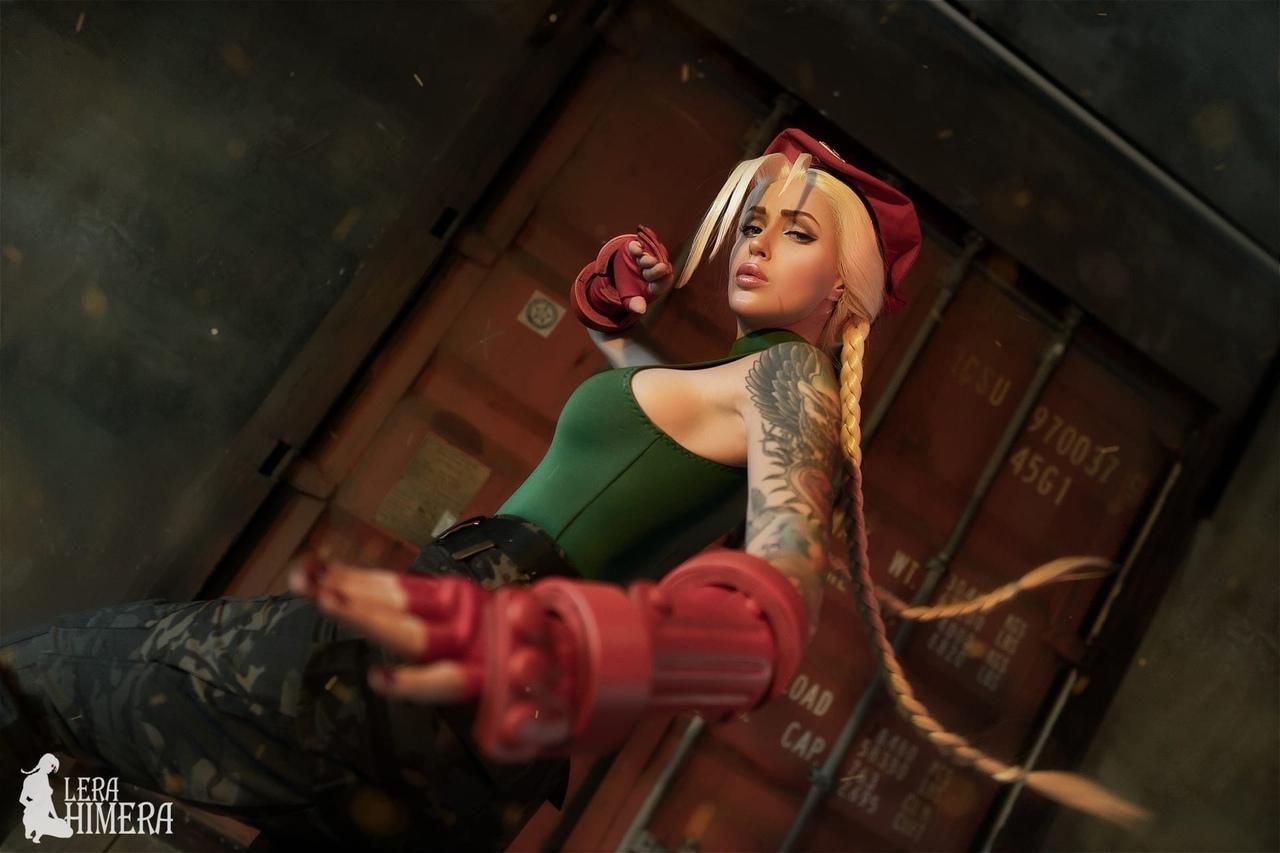 Пятничный косплей: Monster Hunter, Cyberpunk 2077, Street Fighter и Харли Квинн
