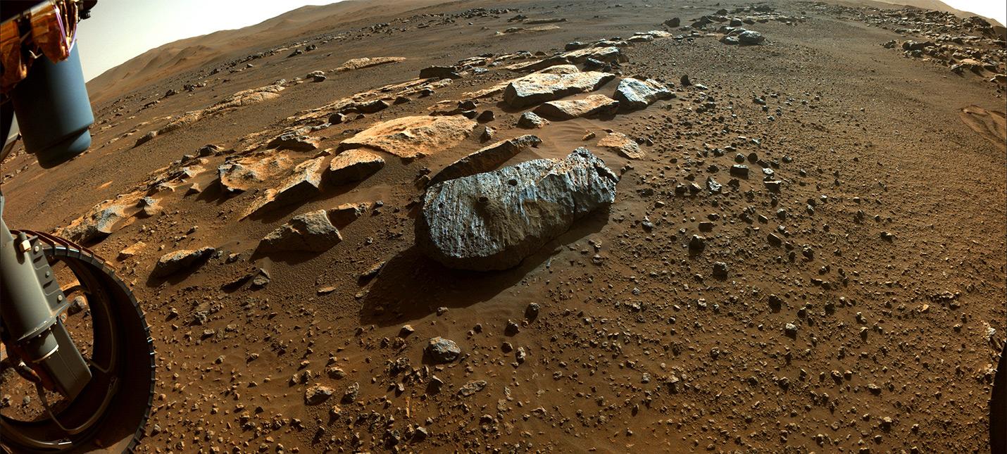 Образцы марсианских камней указывают, что вода на Марсе могла быть в течение миллионов лет