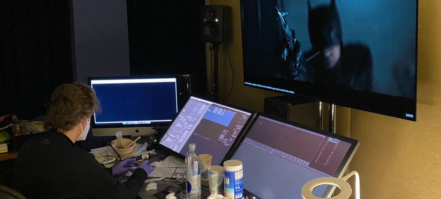 Мэтт Ривз поделился фото с монтажа Бэтмена с Робертом Паттинсоном