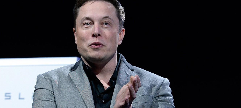 Илон Маск: Apple нанимает тех, кто не смог удержаться в Tesla